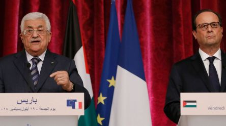 france-s-president-hollande-and-palestinian-president-mahmoud-abbas-attend-a-joint-news-conference-at-the-elysee-palace-in-paris_5077374